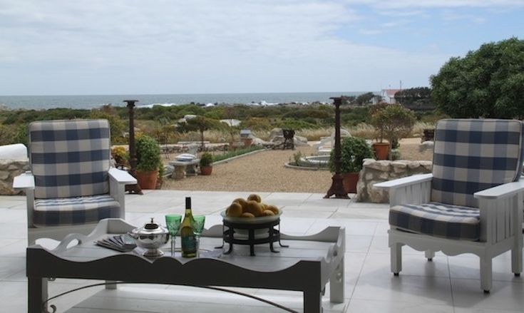 Klokkiebosch Guesthouse - Klokkiebosch is situated in the serene Jacobsbaai on the shores of Smalbaai an hour's drive from Cape Town.  The guesthouse blends in with the Jacobsbaai building vernacular and is luxuriously decorated ... #weekendgetaways #jacobsbay #southafrica