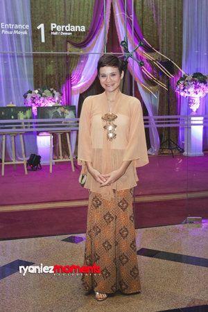 Cute kebaya - looser style
