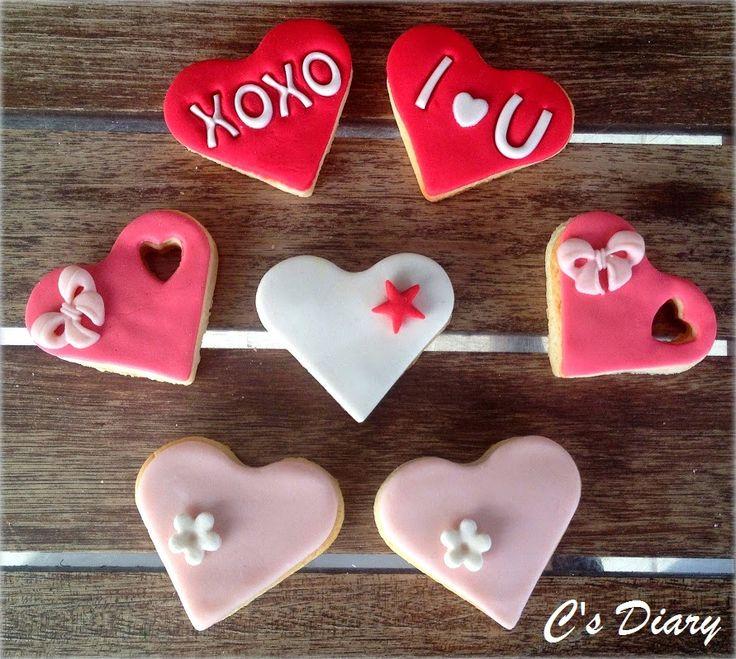 Sevgililer günü kurabiyesi :) C's Diary      kurabiye , sevgi , sevgililer günü hediyesi , sevgililer günü kurabiyesi , sevgiliye hediye , sosyal ağ , yeni blog , şeker hamuru , şeker hamurlu kurabiye