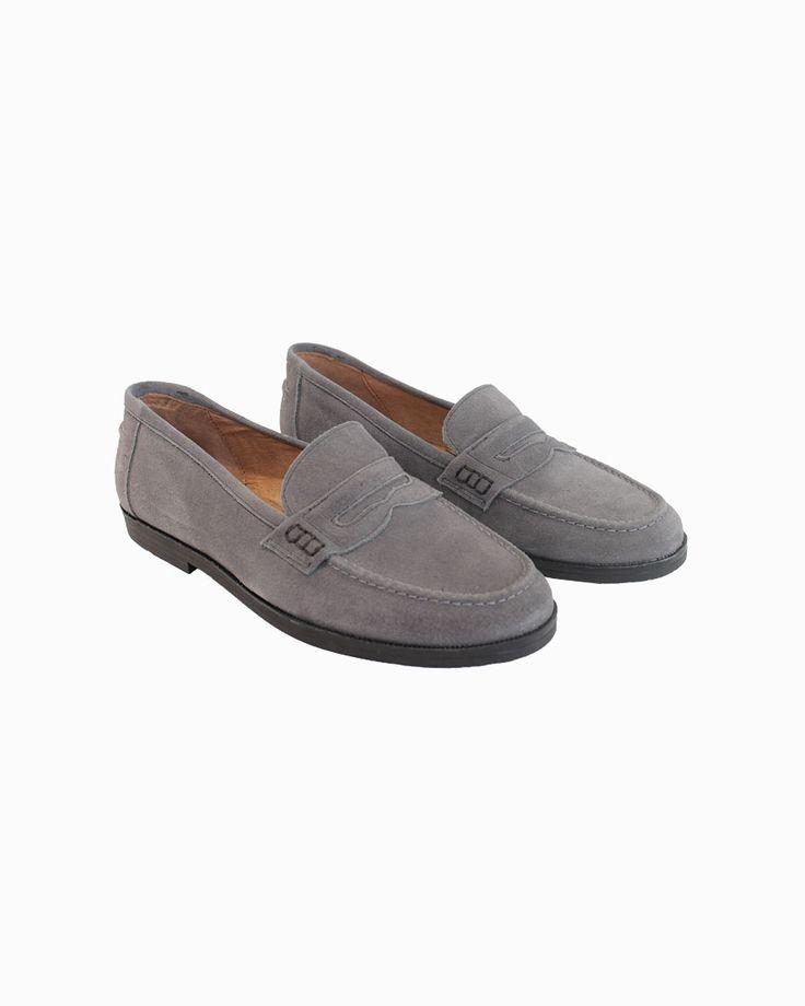 Chuches grey napa mocassins with rubber sole #arropame #conceptstore #bilbao #fashion #shoes #mocasin #agender #gifts #regalo http://arropame.com/mocasines-chuches-una-necesidad-una-casualidad-un-descubrimiento-un-deseo/
