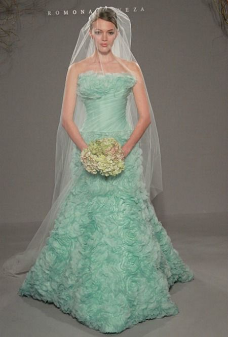17 best GREEN?!!? images on Pinterest | Wedding frocks, Homecoming ...