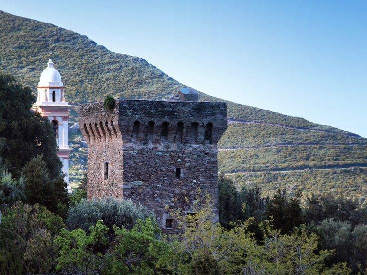 Corsica - Tours Génoises Corse -  Sisco tour de Poggio - Tour génoise du XV ème siècle restaurée située au coeur de la vallée de Sisco.