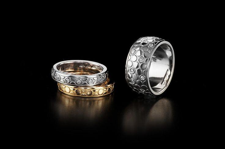 Saarikorpi Design, OneByOne wedding ring set, 18K white and yellow gold, W/VS diamonds