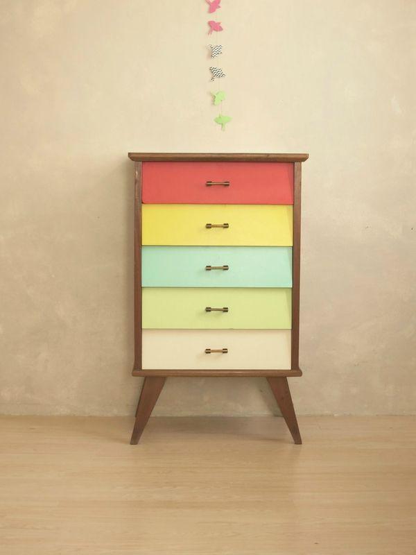 Les 888 meilleures images propos de relooking meubles sur pinterest vaisseliers vintage for Buffet formica restaure