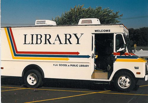 Anyone else remember these? I LOVED the bookmobile!: Books Mobiles, 80S, Good Childhood, 70S Kids Books, Childhood Memories, Schools Libraries, Booki Wooki, Bookmobil Lov, Libraries Mobiles