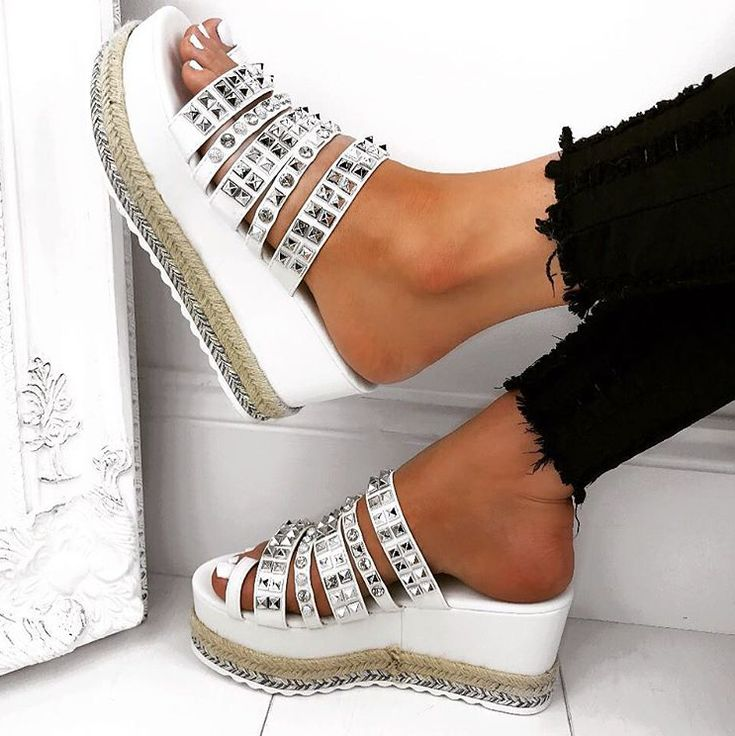 709c4d736c5b The 15 best Sunkissed Legs   White sandals images on Pinterest