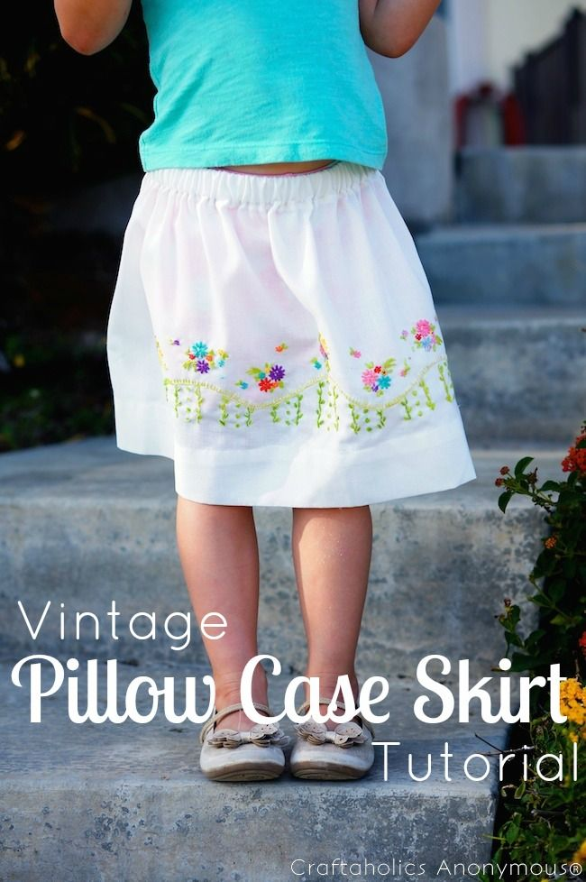 In love with this adorable Vintage Pillowcase Skirt. I need to make one for Miss D!