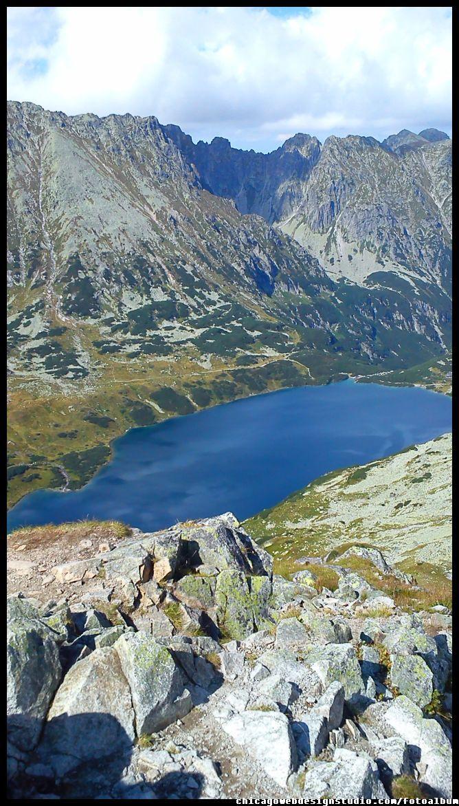 widok ze Szpiglasowej na Dolinę 5 Stawów - Tatry  Tatry / Góry / Tatra Mountains #Tatry #Tatra-Mountain #Góry #szlaki-górskie #piesze-wędrówki-po-górach #szczyty-górskie #Polska #Poland #Polskie-góry #Szpiglasowy-Wierch #Szpiglasowa-Przełęcz #Zakopane #Tatry-Wysokie #Polish Mountains #Morskie-Oko #Czarny-Staw #na -szlaku-z-Doliny-Pięciu-Stawów-poprzez-Szpiglasową-Przełęcz-i-Szpiglasowy-Wierch-do-Morskiego-Oka #turystyka-górska
