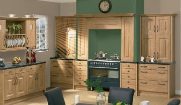Bella Oak Kitchen. By BA Components, trade kitchen doors and replacement kitchen doors.