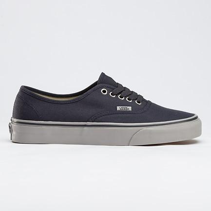 i kinda want a pair of vans: Canvas Ebony Ic, Vans Canvas, Casual Shoes, Summer Shoes, Canvas Authentic, Gray Vans, Styles Clothing, Canvases, Ebony Ic Gray