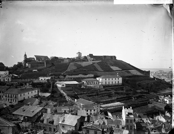 Panorâmica da Graça sobre o Castello, Lisboa c.1890 (A.P.C.M.L., s.d.)