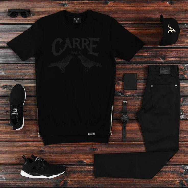 This Carré short sleeve crew is , unique drop step tail with gold ykk zips. Tie…