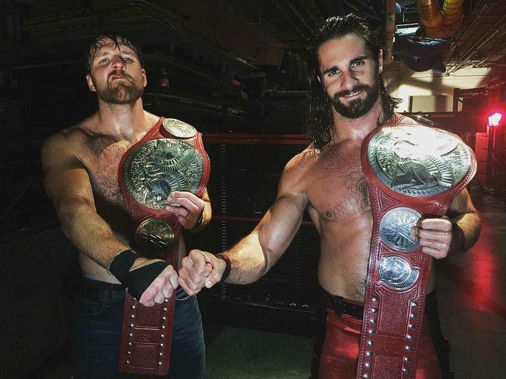The Miz und The Miztourage verprügeln Dean Ambrose und Seth Rollins: Fotos