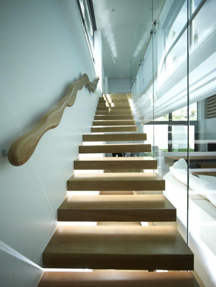 Escalier en bois marches suspendues avec main courante en bois p trifi i - Home staging escalier ...