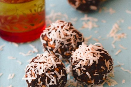 Raw Cacao Bliss BallsBall Recipe, Ball Healthyeating, Easter Recipe, Cacao Bliss, Bliss Ball, Healthy Fats, Healthyeating Rawfood, Sugar Free, Raw Cacao