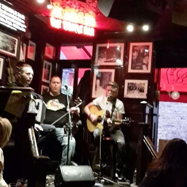 Trade fest temple bar 25-29 january 2017 ☆ ♡ Thank you for the music ♡  #templebar #dublin #tradefest #january2017👣 #irishmusic #ireland🍀