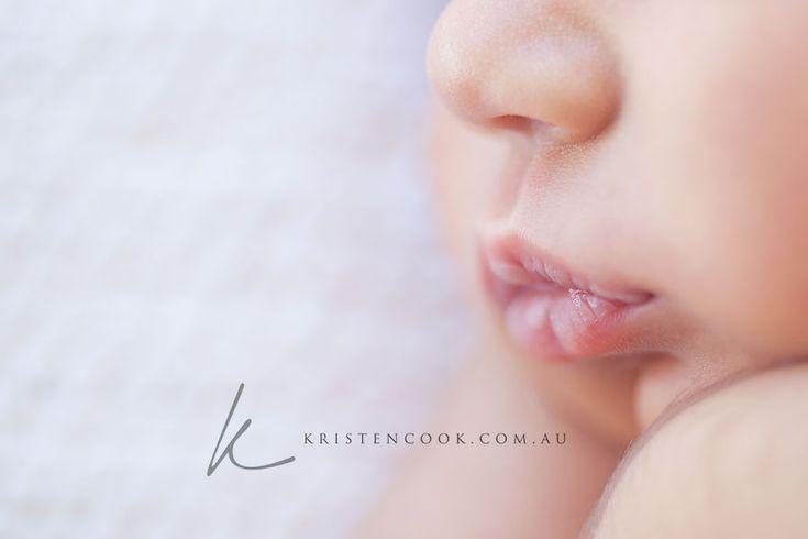 love the closeup of those tiny lips