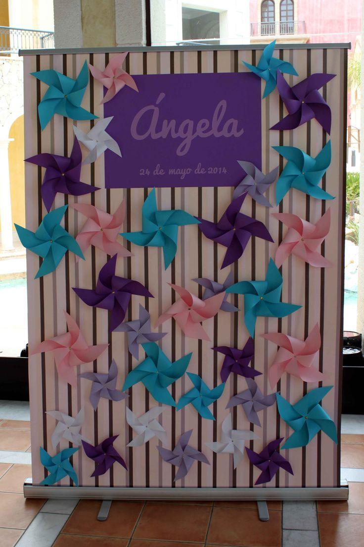 Photocall: Decoración de comunión de niña con temática de molinillos - Pinwheel themed girl communion