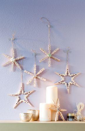 Basteln Sie mit uns aus ein paar Wäscheklammern und Filzstücken diese stimmungsvollen Deko-Sterne und Eiskristalle. © frech Verlag