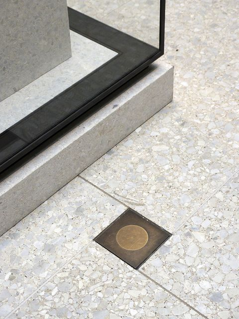 Detail of a glass showcase in the Neues Museum, Berlin designed by David Chipperfield.: