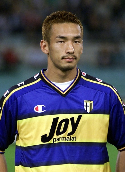 ¿Cuánto mide Hidetoshi Nakata? C5063fa72377ccad8ce606fe5f184c6d--bolton-wanderers-football-soccer