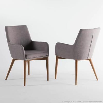 Chaise avec accoudoirs en tissu gris clair avec piètement bois - Lot de 2 MONROE- - Caractéristiques techniques :Matières : Revêtement : 100% polyesterRembourrage : Assise : m… Voir la présentation