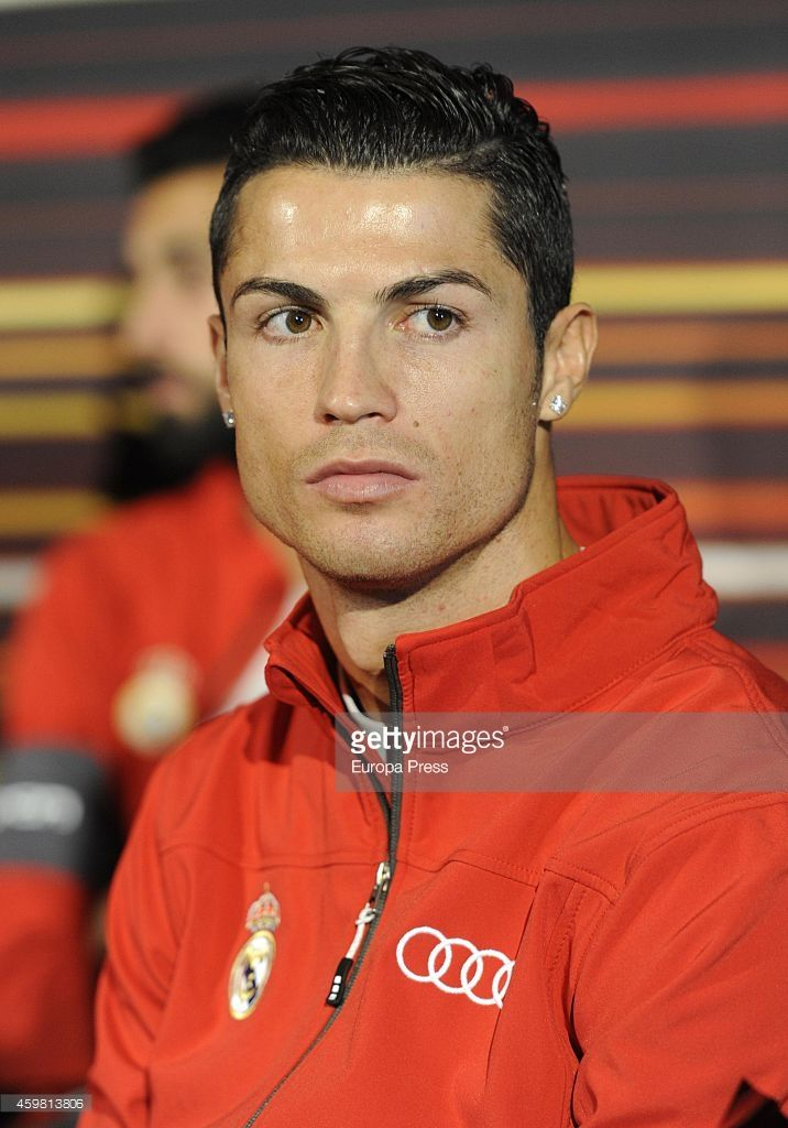 real-madrid-player-cristiano-ronaldo-attends-the-car-handover-of-audi-picture-id459813806 (716×1024)