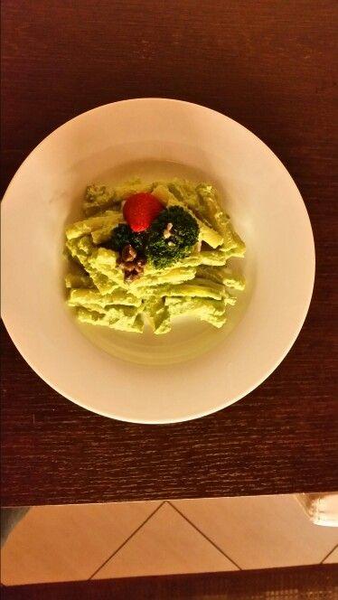 Maccheroncini, pesto di broccoli e vongole