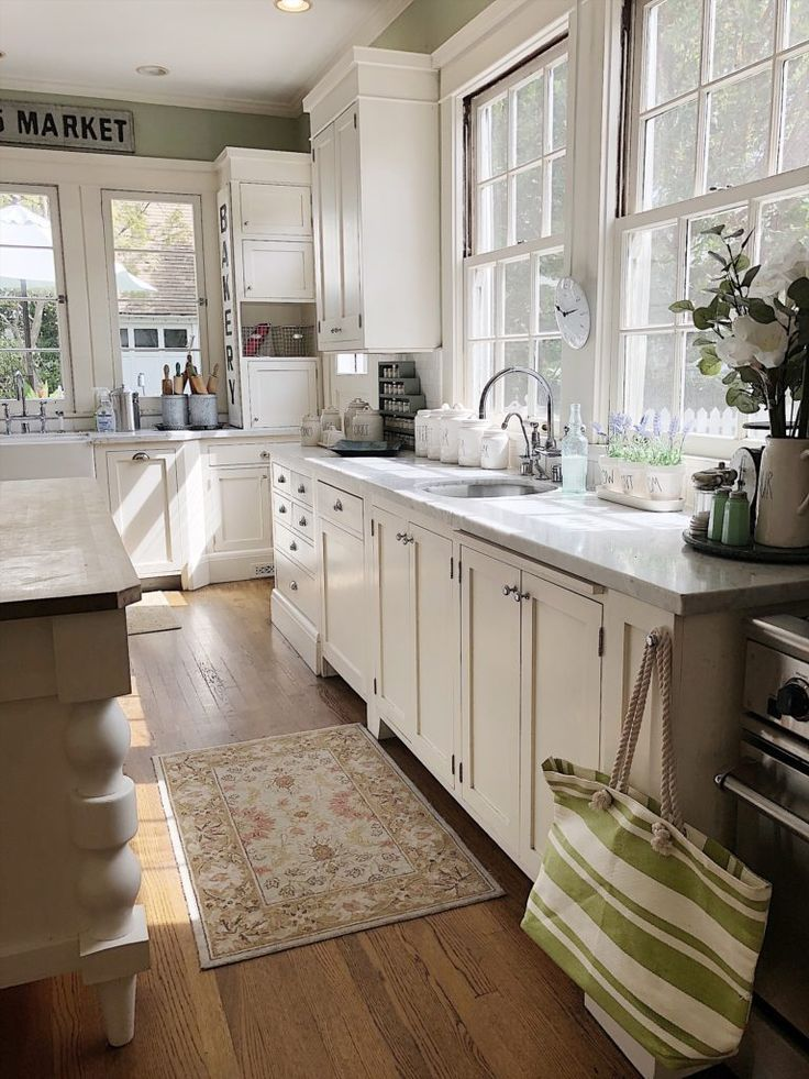 Home To Rent Your Home For Movies Cottage Kitchens Kitchen Remodel New Kitchen Cabinets