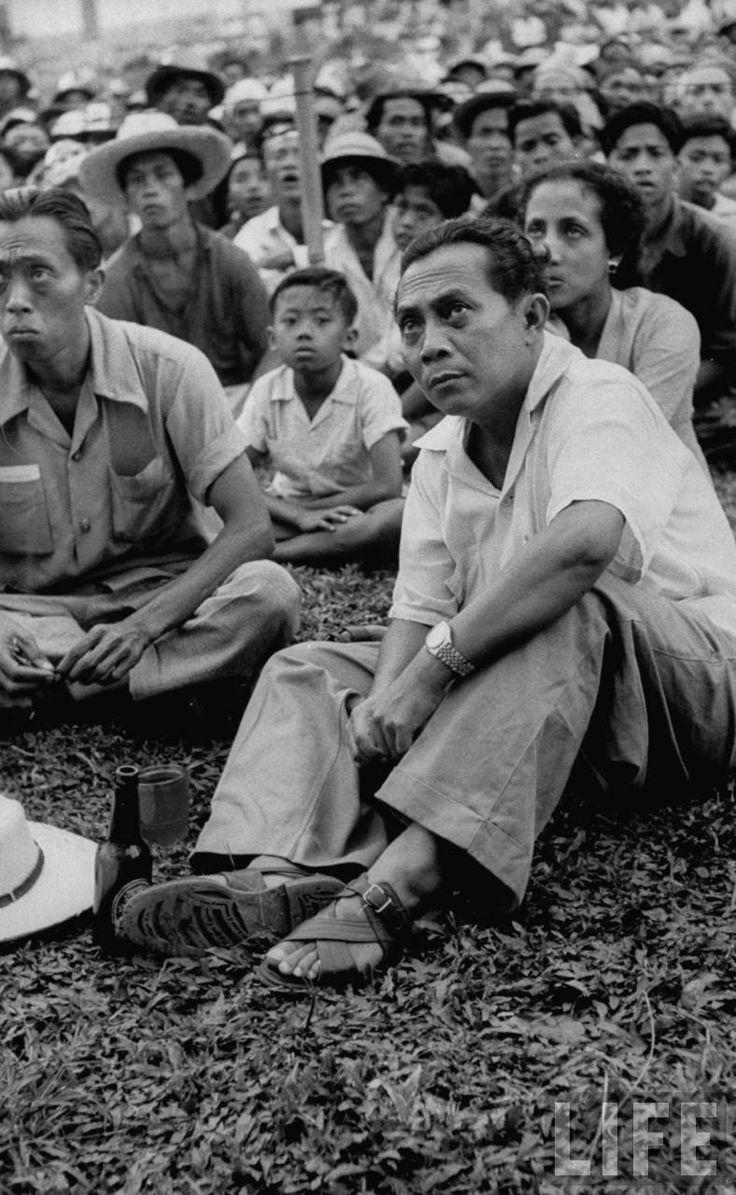 Pemimpin PSI, Sutan Sjahrir pada kampanye Pemilu 1955, Bangli, Bali, September 1955.