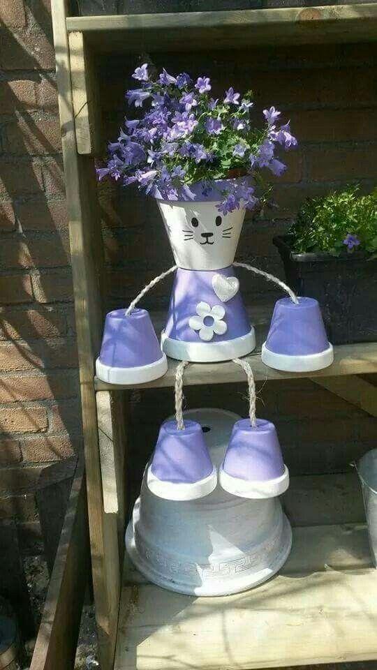 Flower pot kitty