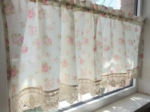 Love this crochet trimmed cafe curtain
