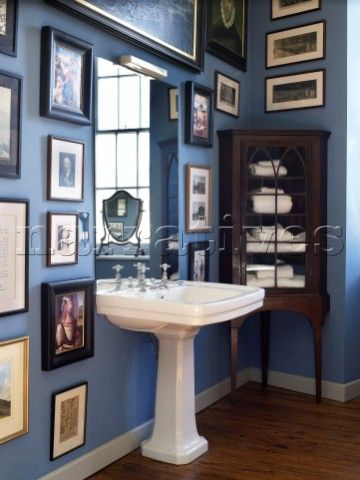 Dp023 28 pedestal basin with antique storage cabinet for Georgian bathroom ideas