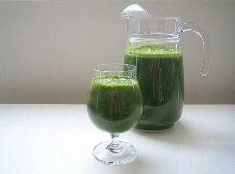 Groene Godin. Heerlijk fris groen sapje met verschillende kiemgroenten en kruiden. Er zitten ontzettend veel vitamine en mineralen in.
