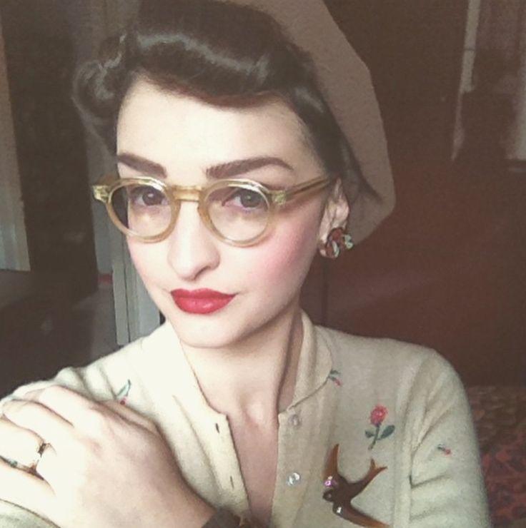Brown vintage swallow brooch worn by blacksmith_lucaale / instagram