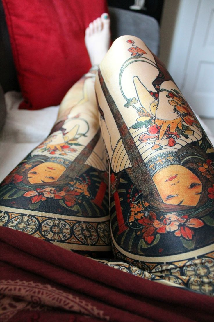 Art Nouveau leggings. Fits the body so well you'd mistake it for an awesome tattoo.