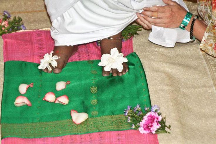 Sanskrit Devi | Sri Mata Amritanandamayi Devi Sanskrit and Malayalam Chants