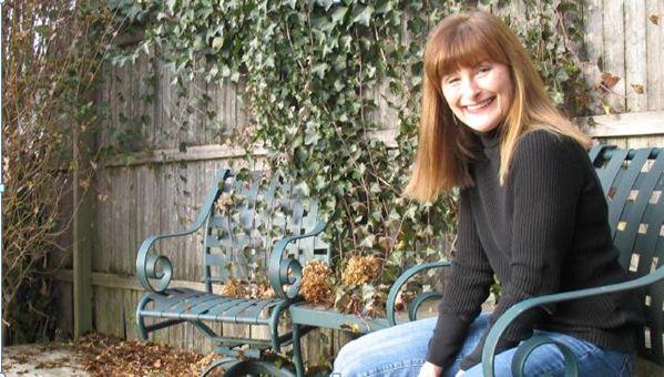 Kiralık Anne Var    İngiltere'de yayımlanan The Guardian Gazetesi'nin haberine göre; New York'ta yaşayan 63 yaşındaki Nina Keneally, yeni taşındığı Brooklyn Şehrinin Bushwick Mahallesi'nde yaşayan gençlerin kendisine sürekli soru sormasını fırsat bilerek, bu durumu kazanca dönüştürmeye başladı.