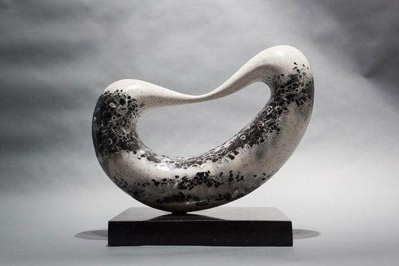 Brücke abstrakte Steinskulptur Engineered von JeremyGuySculpture