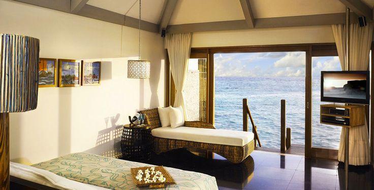 Entdecke die wunderschönen Malediven!  Mit Voyage Privé verbringst du 7 bis 14 Nächte im 5-Sterne Hotel Vivanta by Taj Coral Reef. Im Preis ab 3'475.- sind die All Inclusive Verpflegung und der Flug inbegriffen.  Hier kannst du deine Ferien buchen: https://www.ich-brauche-ferien.ch/traumferien-auf-den-malediven-2/