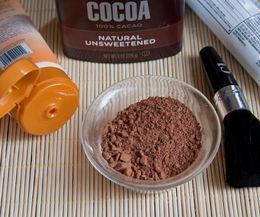 Homemade Ways to Look Tan. Only requires cocoa powder + lotion!