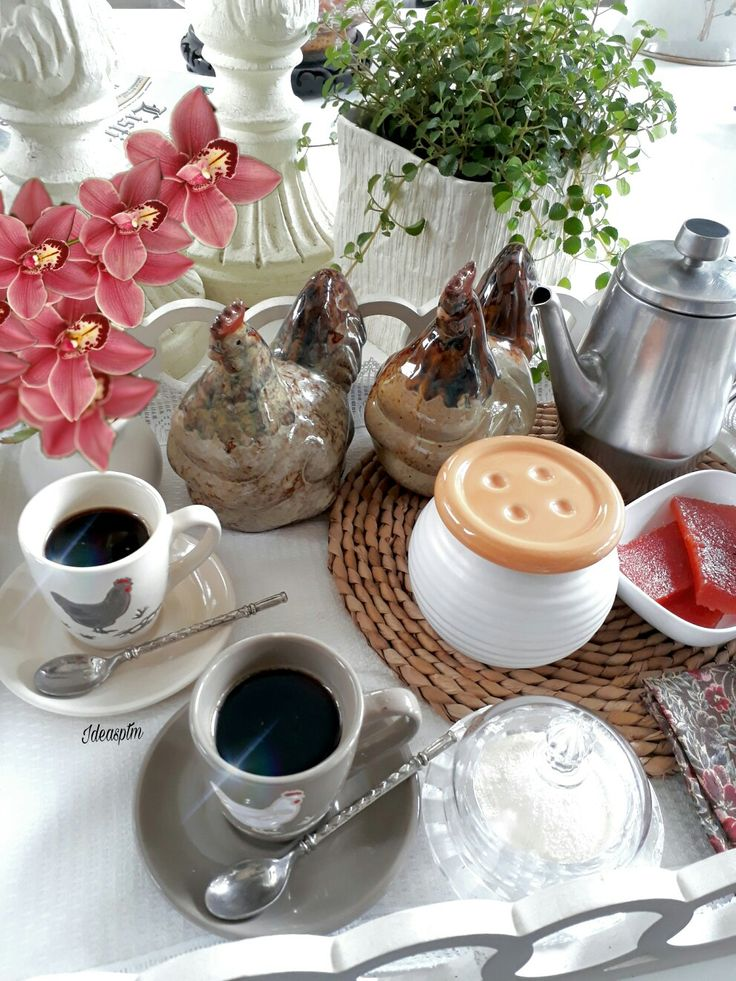 COFFEE TIME. HORA DEL CAFE.