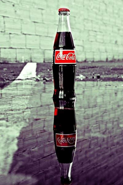 """Doesn't matter what kind of soda it is, Texans call them all Coke :-). Waitress asks, """"What kinda coke you want, hon?"""" And you reply, """"A Dr Pepper, please."""""""