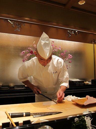 Kyubei in Ginza. Top of the SUSHI restaurant in Japan.  銀座由美ママの心意気-銀座久兵衛 今田景久三代目
