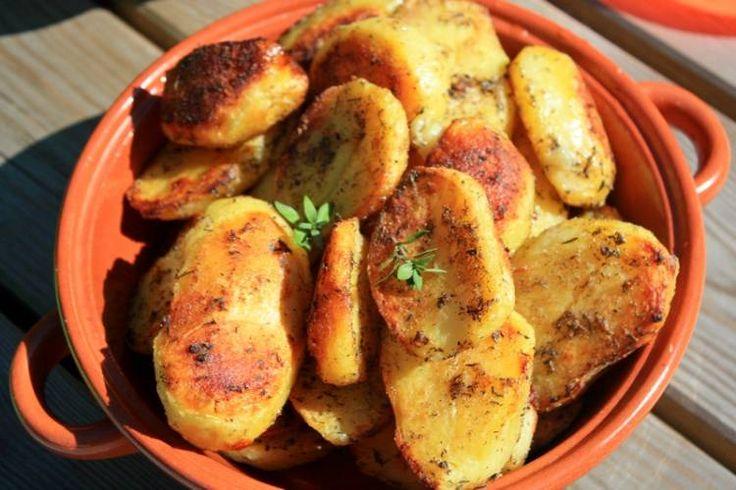 Chrupiące , pieczone, wiejskie ziemniaki