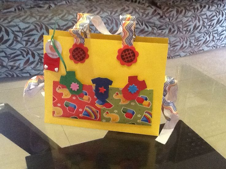 Baby purse with lovely wishes inside - A cool idea for a Baby shower