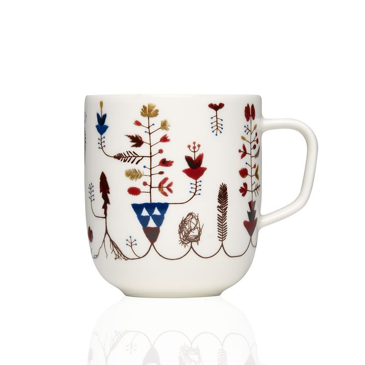 The Sarjaton mug by Iittala is perfect for your relaxing times sipping tea or hot coffee.