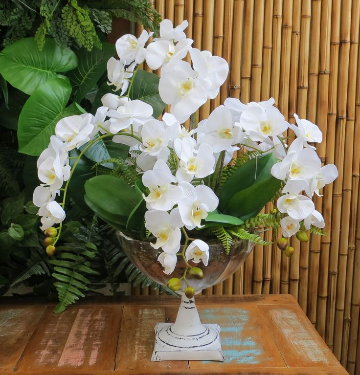 Art Lilac, arranjos florais, flores artificiais, orquídeas artificiais , Os arranjos de flores artificiais deixam o ambiente sempre florido e acolhedor