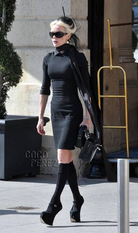 Daphne Guinness was looking badass in Paris on Thursday. The lover of all things fashion was dressed in head to toe black and was even carrying Beats by Dr...