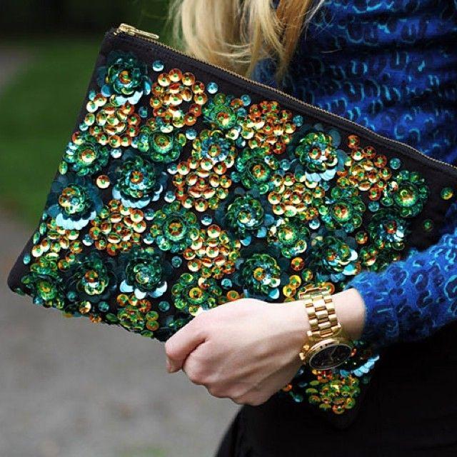 #Clutch #imodaediccionario bolso de mano, de pequeño tamañano que se usa para dar un toque elegante y glam a un outfit. Ideal para la noche.  http://www.imodae.com